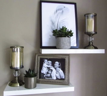 Room styling and display arrangement by AlenaCDesign